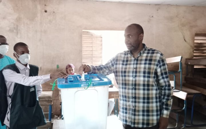 LÉGISLATIVES AU MALI: l'ancien PM Moussa Mara et le scrutin