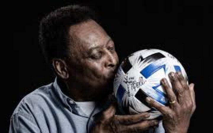 ANNIVERSAIRE: Le Roi Pelé souffle 80 bougies!