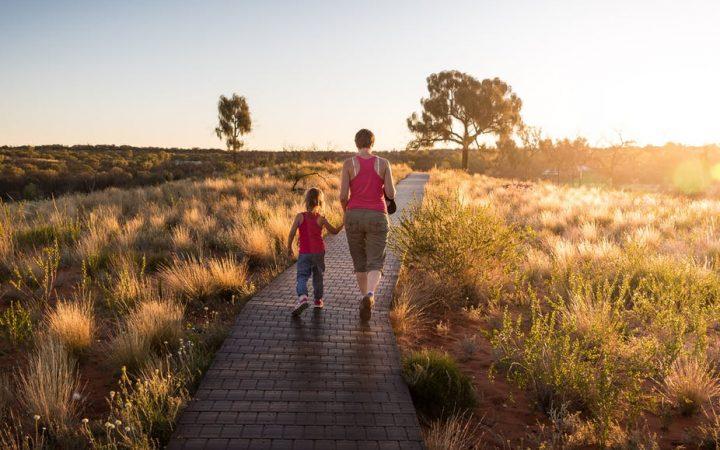 Aider un enfant à prendre confiance en lui : les conseils de trois grandsphilosophes
