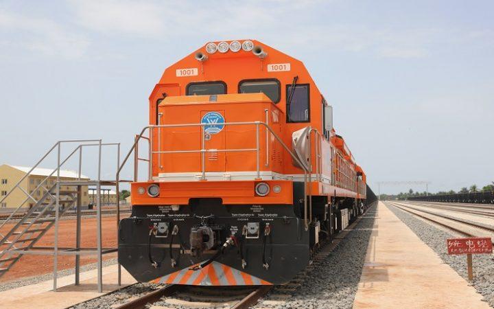 MINES: inauguration d'une nouvelle voie ferrée en Guinée